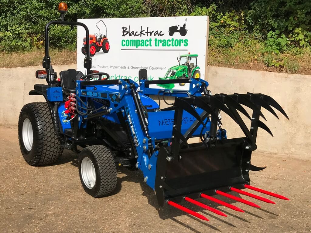 New Solis 26 Compact Tractor with Loader, 4:1 Bucket & Hydraulic Grab Fork