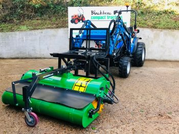 New Pallet Fork Tine Mounted 1.5m Hydraulic Sweeper Brush with Manual Emptying Collector